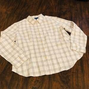 Pendleton white and grey plaid button down shirt